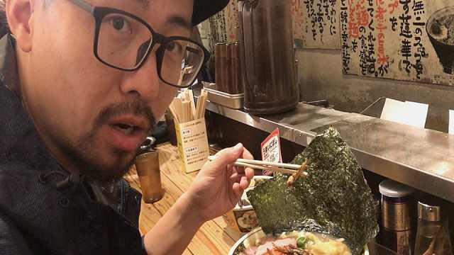揭秘东京夜市,马肉寿司只要7块钱