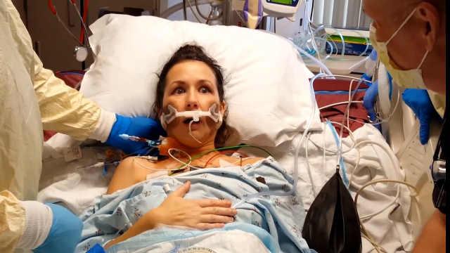 美国女子肺部移植后呼吸第一口空气