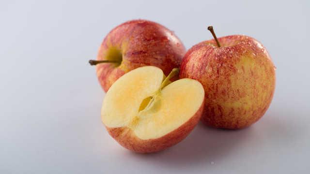两招,让削皮的苹果不易氧化发黄