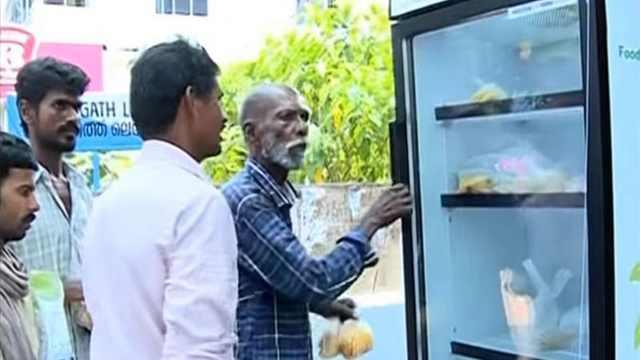 """印度""""共享冰箱"""",温暖无数人"""