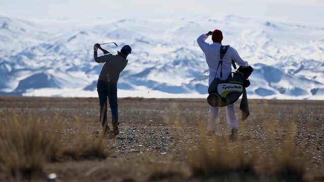 狂人一场高尔夫打80天只为做慈善
