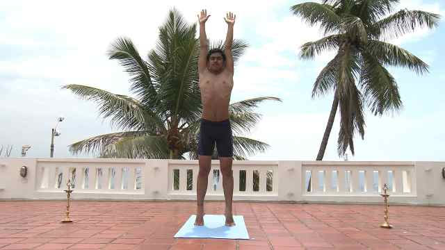 印度古式瑜伽教学:棕榈树式