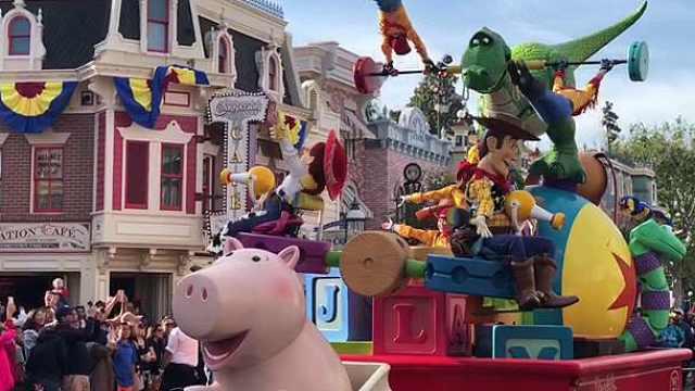 尖叫!迪斯尼Pixar嘉年华盛大来袭