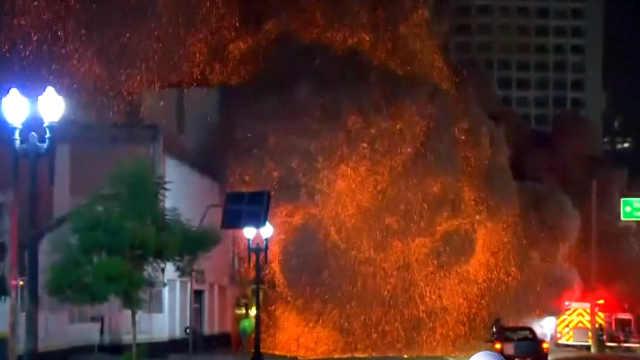 巴西圣保罗26层废弃公寓楼失火坍塌