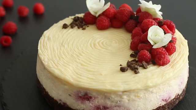夏日甜点,自制布朗尼树莓芝士蛋糕