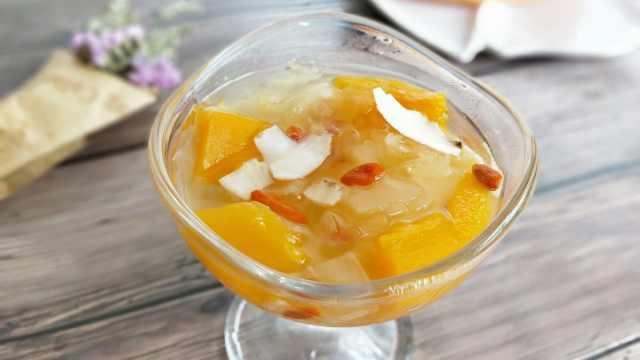 港式美人甜品:木瓜银耳百合羹