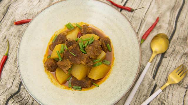 选块牛腩,煮锅入味的白萝卜烧牛腩