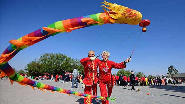 抖空竹:双手舞动的文化传承