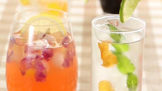 用花朵冰块做个华丽冷饮吧!