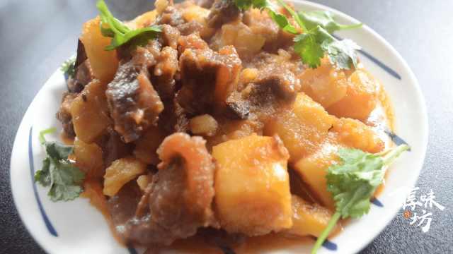 家庭版土豆焖牛腩,做法简单又营养