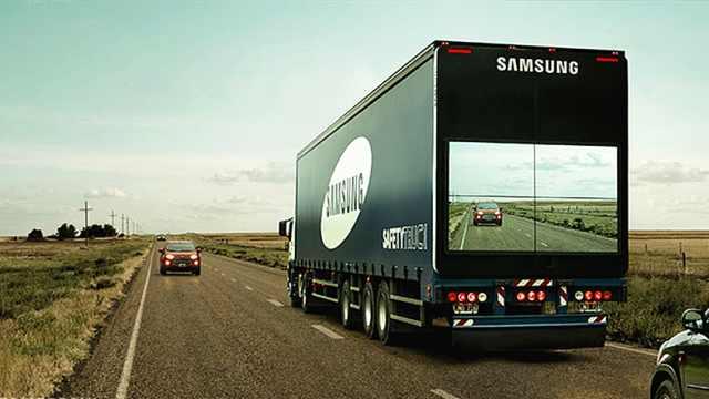 卡车后装上大屏幕,是为了拯救生命