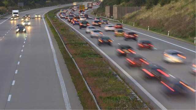 德国人开车很快,为什么很少车祸?