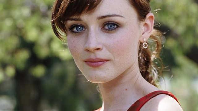 为什么外国人不掩饰女演员的雀斑?