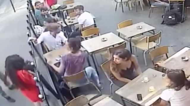 男子骚扰被拒殴打女性,惹起众怒