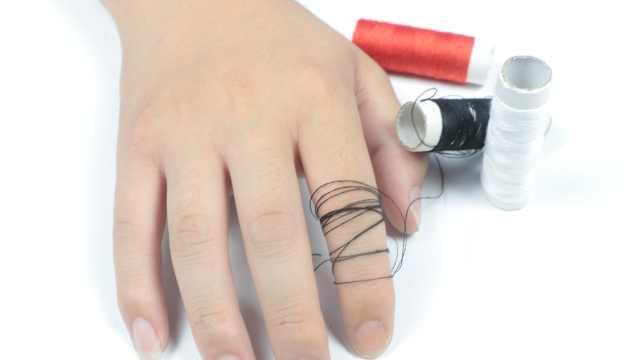 戒指太紧取不下来怎么办?