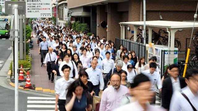 为什么日本人口越来越少了?