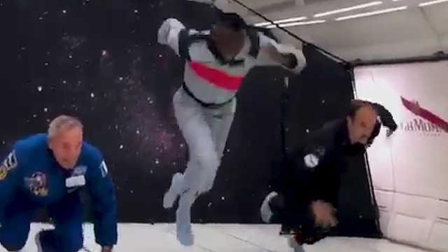 博尔特在零重力环境下赛跑轻松获胜