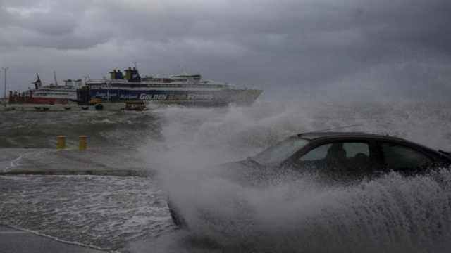地中海飓风袭击希腊,至少3人失踪