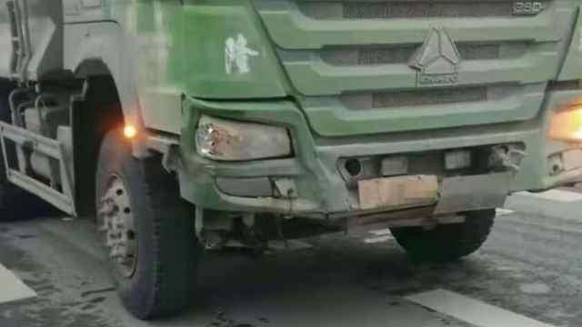 猛犸视频丨渣土车撞上驾校教练车