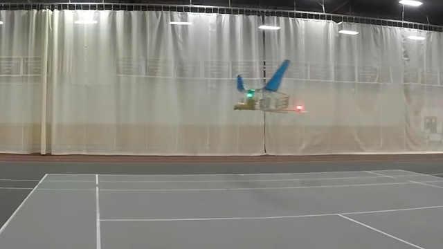 以离子驱动的飞机,10秒飞出60米!