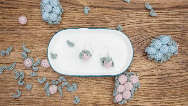 小野莓耳环选得对,脸蛋小一倍