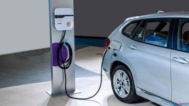 补贴直接腰斩!你还会买新能源车吗