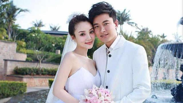 李小璐删结婚照,离婚石锤?