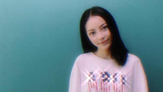 美女清唱张敬轩的《只是太爱你》