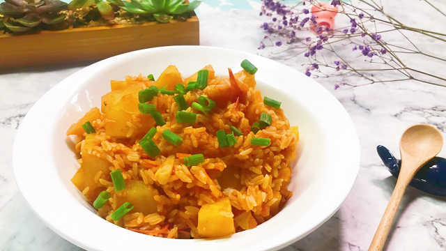 番茄土豆烩饭,饱腹感强味道超赞!