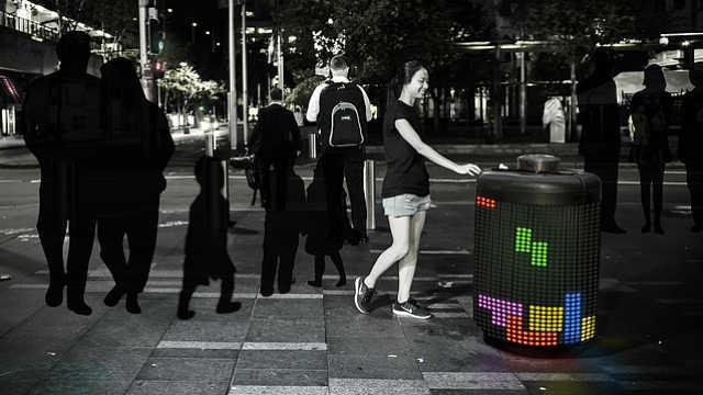 智能垃圾桶:讓垃圾分類更時尚
