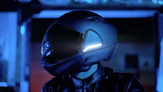 让骑行者360度无死角的AR头盔