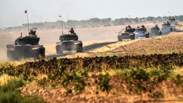 实拍土耳其坦克开进叙利亚