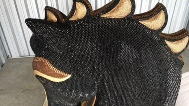 新西兰:35公斤毒品藏于马头雕塑