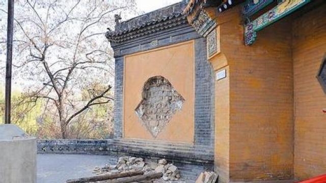 山西文物频失窃:寺庙琉璃壁心被挖