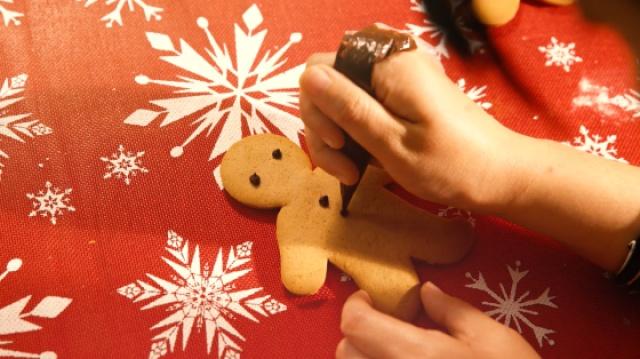 圣诞快乐~格雷格和姜饼
