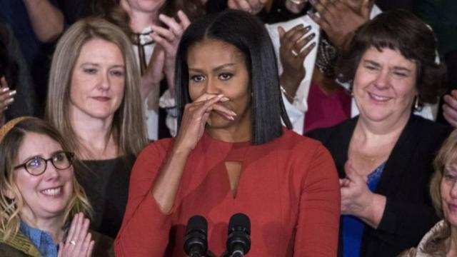 第一夫人的最后一次演讲:泪洒白宫