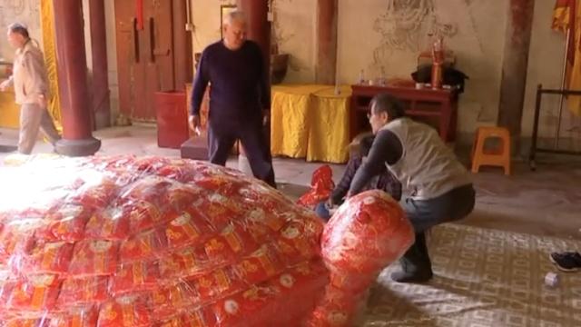 """台湾师傅福建做""""米龟"""",重8000斤"""