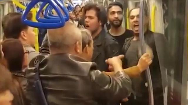 印度男调戏女孩,被香港大叔KO喊服