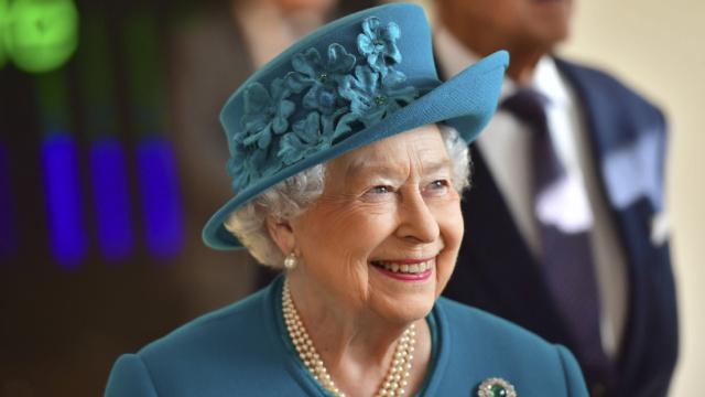 英国女王招Twitter运营,年薪26万