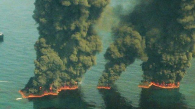 新奇海绵竟然能够吸附海下石油