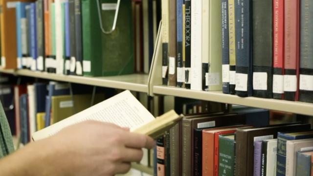 喜欢闻书香?靠气味识别书籍年代