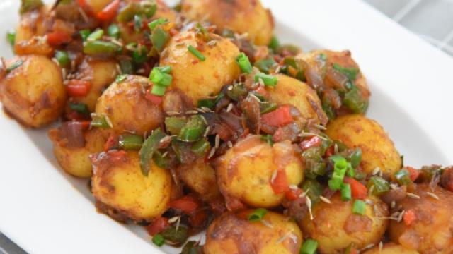 土豆这样做好吃好看,制作非常简便