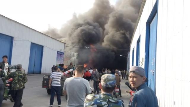 哈尔滨一仓库大火,过火面积1200㎡