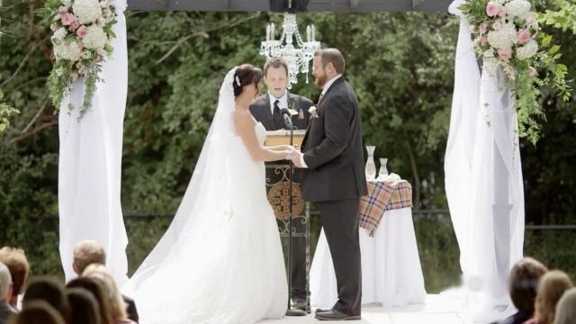 结婚典礼,新郎竟然甩了新娘一巴掌