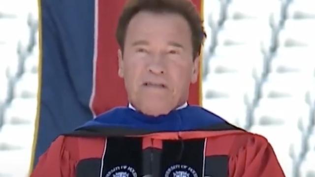 施瓦辛格发表毕业演讲大赞美国移民