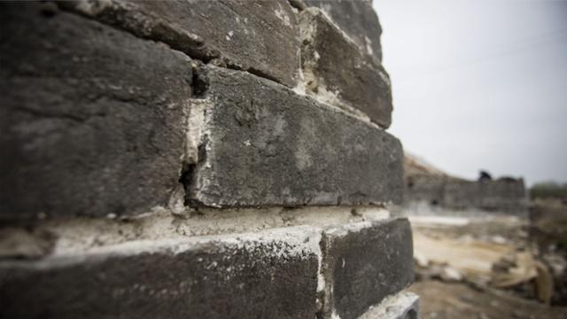 直播:明皇城旧砖换新,修缮还是破坏