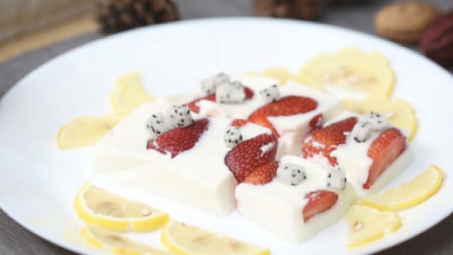 草莓果冻的家常做法,好吃还健康!