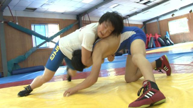 摔跤吧,爸爸!实拍杭州女子摔跤队
