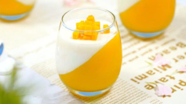 Q弹双色芒果牛奶冻