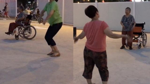 广场舞有魔力,轮椅大妈站起来就跳
